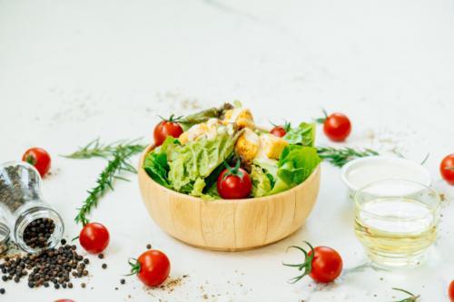 Salad. (Foto: Lifeforstock/Freepik)