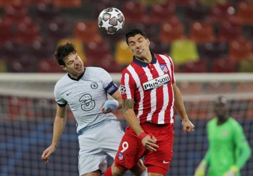 Suasana laga Atletico Madrid vs Chelsea (Foto: Reuters/Octav Ganea)