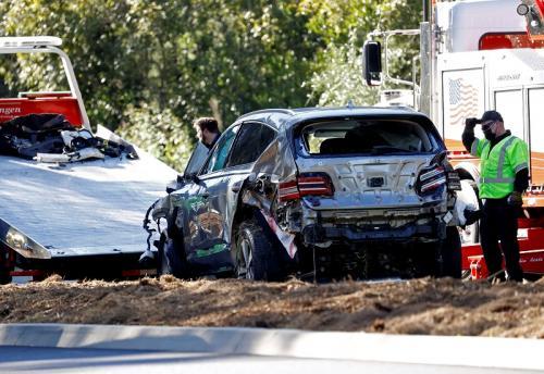 Tiger Woods alami kecelakaan mobil