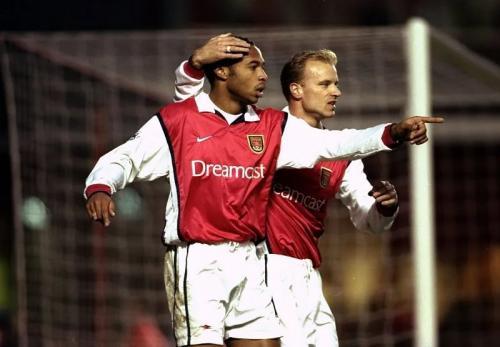 Thierry Henry dan Dennis Bergkamp