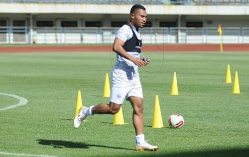 Ardi Idrus berlatih bersama Persib Bandung