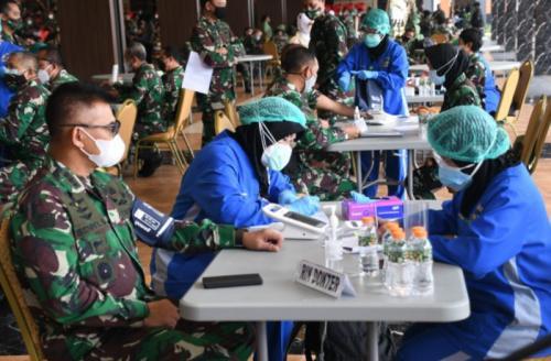 TNI AD vaksin serentak