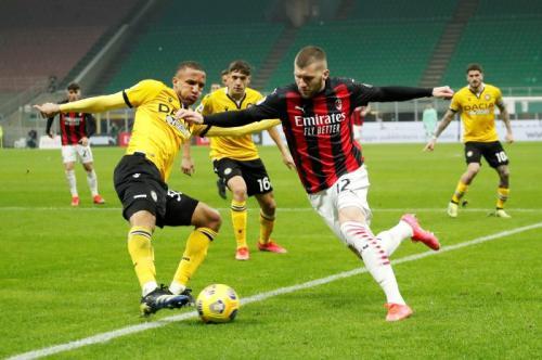 AC Milan saat bermain di San Siro