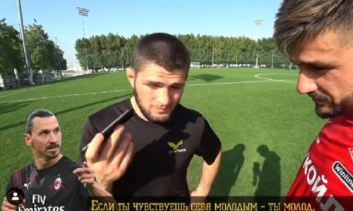 Khabib Nurmagomedov mendengar pesan dari Zlatan Ibrahimovic (Foto: Instagram/@sava9)