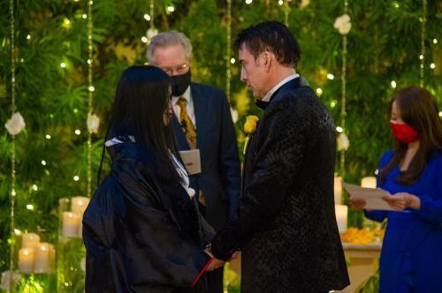Nicolas Cage dan Riko Shibata menikah di Las Vegas pada 16 Februari 2021. (Foto: The Wynn Hotel)