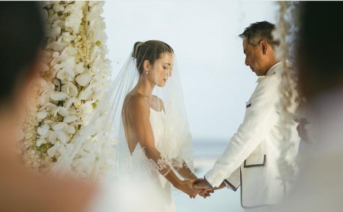 Julie Estelle dan David Tjiptobiantoro menikah. (Foto: Dokpri/Julie Estelle)