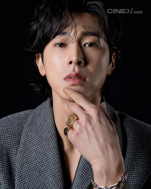 Yunho TVXQ. (Foto: Cine21)