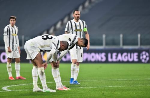 Juventus disikat FC Porto (Foto: Reuters/Massimo Pinca)