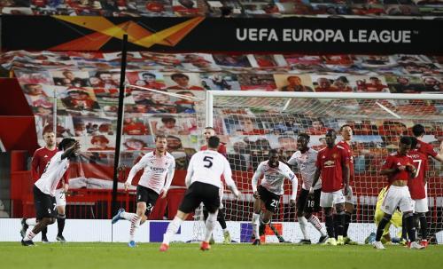 Man United saat menyambut Milan di Old Trafford