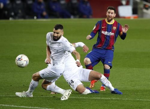 Lionel Messi takkan berhenti bikin rekor (Foto: Reuters/Albert Gea)