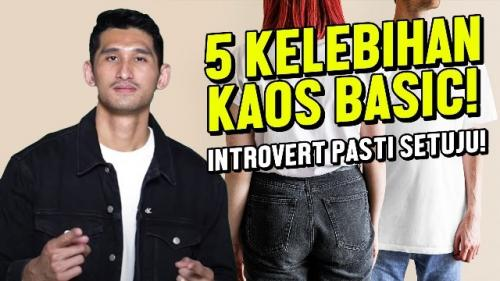 Model tampan Jryan Karsten mengungkap kelebihan kaos polos. (Foto: YouTube Jryan Karsten)