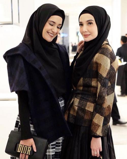 Zaskia dan Shireen Sungkar. (Foto: Instagram/@shireensungkar)