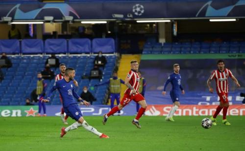 Hakim Ziyech mencetak gol (Foto: Reuters/David Klein)