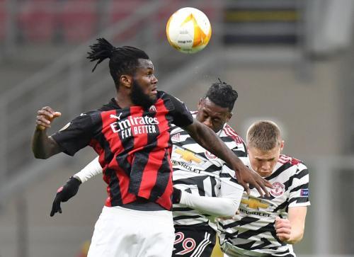 Franck Kessie vs Man United (Foto: Reuters)
