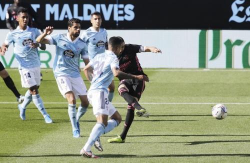 Karim Benzema vs Celta Vigo (Foto: Reuters)