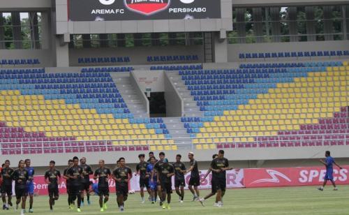 PS Tira Persikabo berlatih di Stadion Manahan (Foto: Liga Indonesia Baru)