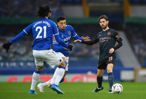 Bernardo Silva vs Everton (Foto: Reuters)