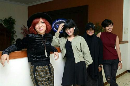 Band SHE. (Foto: Instagram/@she.indonesia)