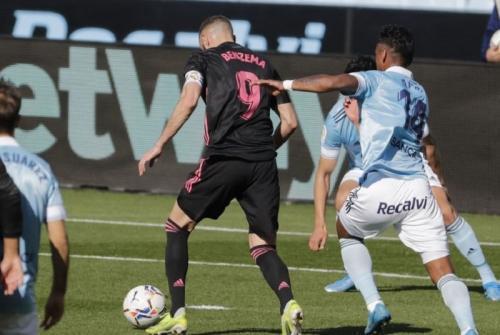 Karim Benzema mencetak gol keduanya (Foto: La Liga)