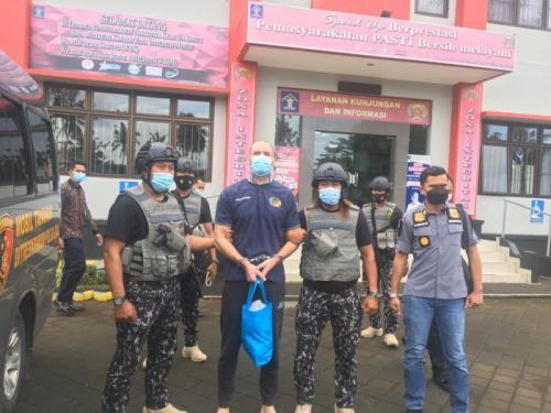 Buronan Interpol