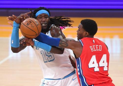 Lakers vs 76ers (Foto: Reuters)