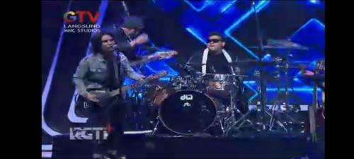 Setia Band dan ST 12