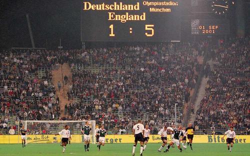 Jerman vs Inggris 2001