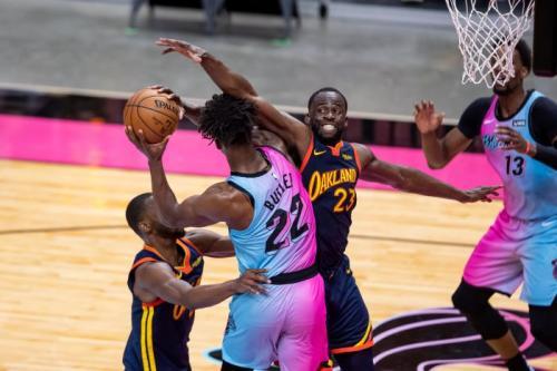 Miami Heat sat menghadapi Golden State Warriors