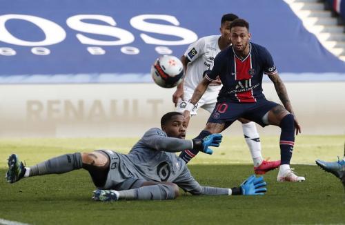 Neymar Jr gagal membobol gawang lawan (Foto: Reuters/Benoit Tessier)