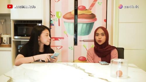 Ria Ricis dan Anneth Delliecia. (Foto: YouTube/Anneth Delliecia)