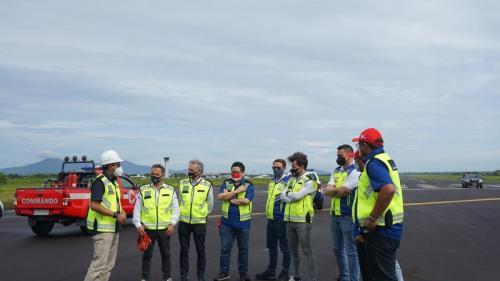 Dorna Sports meninjau kesiapan Bandara Lombok. Foto: Angkasa Pura 1