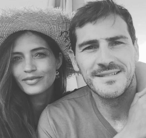 Casillas dan Sara Carbonero