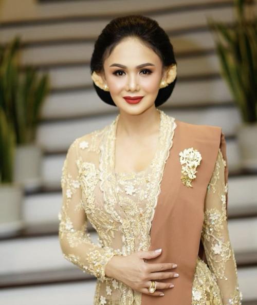 Yuni Shara