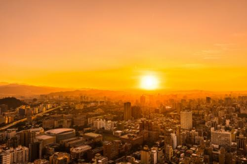 Ilustrasi sinar matahari. (Foto: Lifeforstock/Freepik)