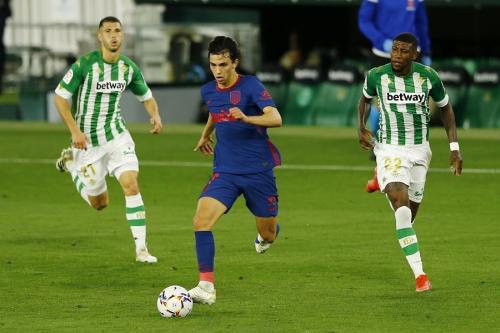 Joao Felix vs Real Betis (Foto: Reuters)
