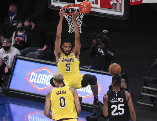 New York Knicks vs LA Lakers