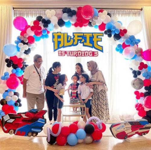 Ririn Dwi Arianti dan keluarga