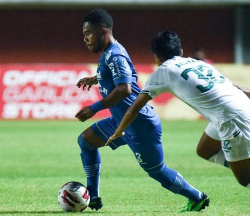 Suasana laga Persib Bandung vs PSS Sleman
