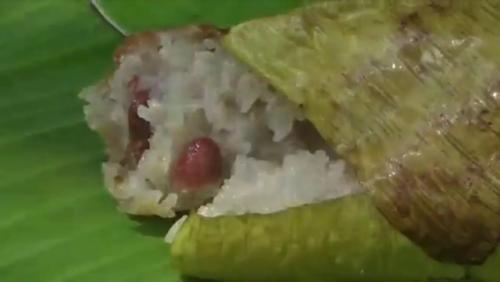 Kue lemang khas Pontianak. (Foto: Barlian Pasore/iNews TV)