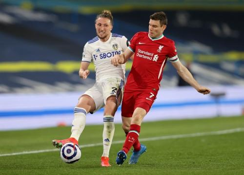 James Milner vs Leeds United (Foto: Reuters)