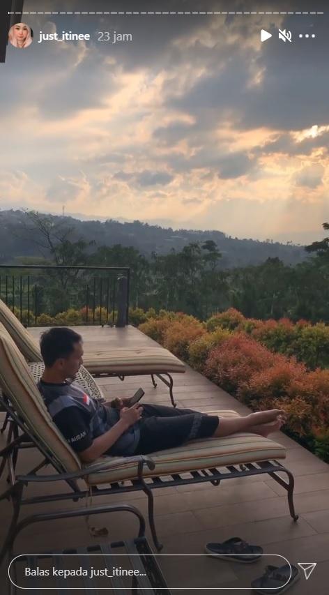 Mohammad Ahsan bersantai di Bogor
