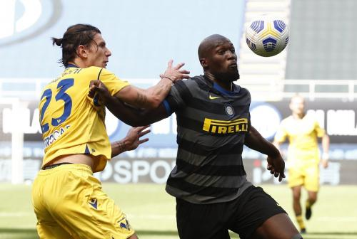 Romelu Lukaku vs Hellas Verona (Foto: Reuters)