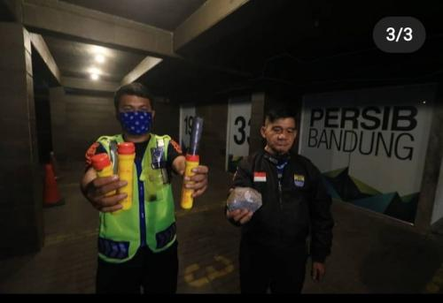 Bukti penyerangan ke Graha Persib (Foto: Instagram/@bobotohid)