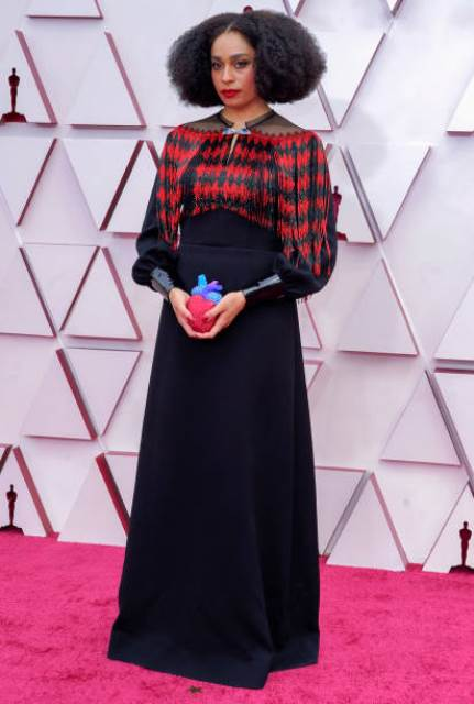 Celeste Waite di Red Carpet Piala Oscar 2021. (Foto: Twitter @TheNerdsofColor)