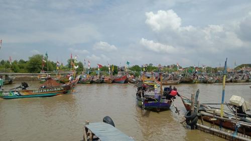 Nelayan Cirebon mudik lewat laut (Foto : MPI/Fathnur)