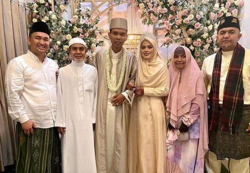 Pernikahan Ustadz Abdul Somad