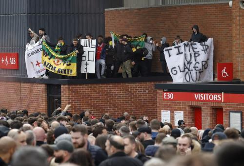 Demo fans Manchester United di Stadion Old Trafford