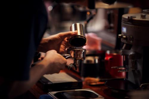 Ilustrasi barista kopi. (Foto: Jcomp/Freepik)