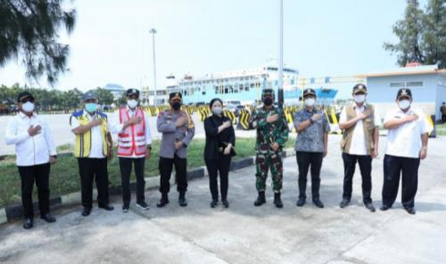 Panglima TNI-Kapolri Tinjau penyekatan di Merak 2