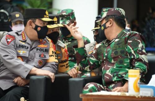 Panglima TNI-Kapolri Tinjau penyekatan di Merak